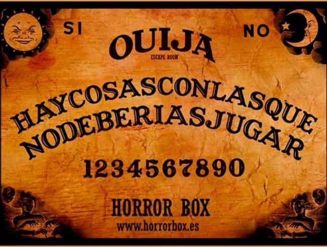 escape room: Ouija